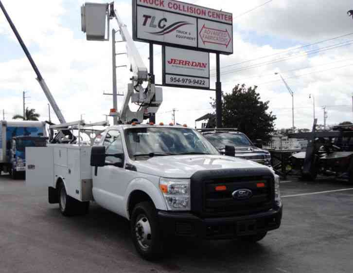 Ford F350 4X2 V8 GAS. . ALTEC AT200A BOOM BUCKET TRUCK. (2012)