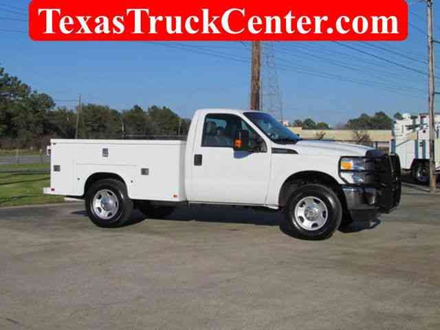 Ford F250 Utility-Service 4x4 (2012)