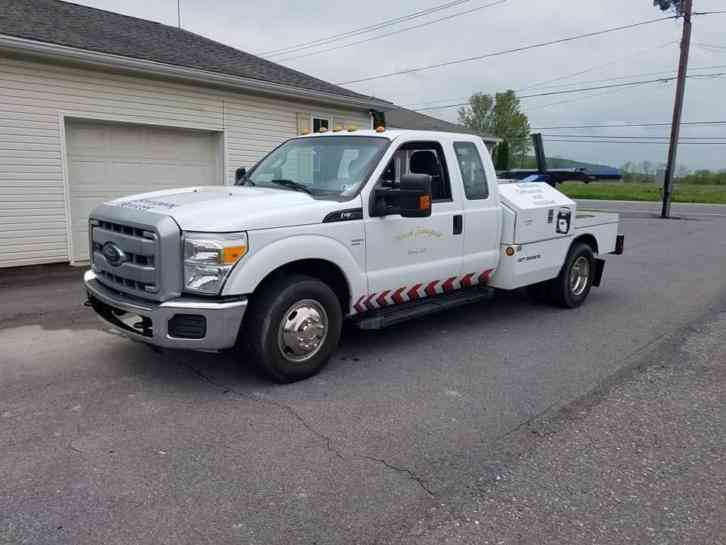 Ford F350 Self loader Wrecker Tow Truck (2012)