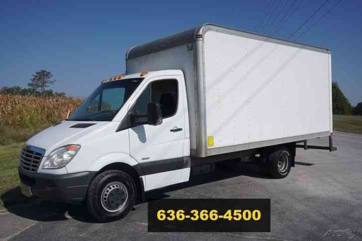 Freightliner 3500 Sprinter 15ft Box (2012)