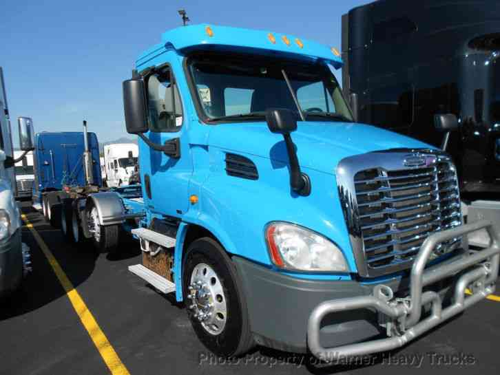 With Drop Axle Semi : Freightliner cascadia day cab drop axle daycab