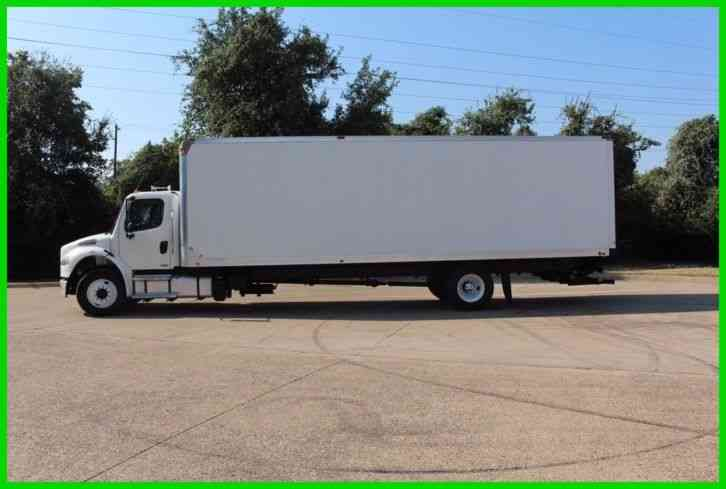 Freightliner m2 30 foot box with 4400lb lift gate (2012)