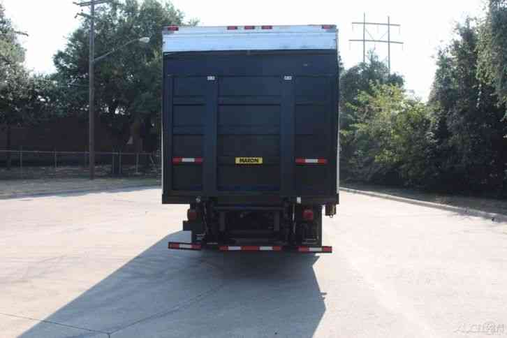 Freightliner M2 30 Foot Box With 4400lb Lift Gate 2012