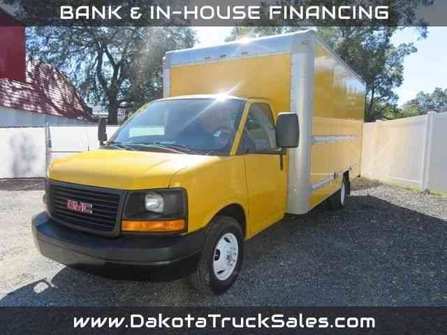 GMC G3500 16FT BOX TRUCK W/RAMP -- (2012)