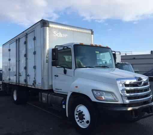 GMC Savana Cutaway 3500 16ft Box Truck. (2011) : Van / Box