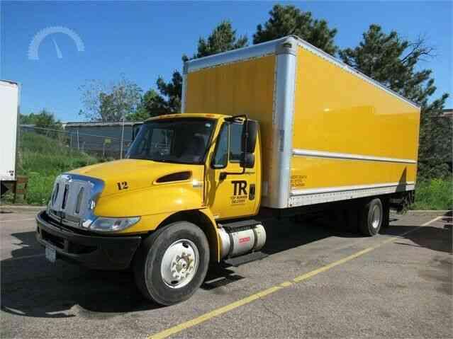 International 4300 2012 Van Box Trucks