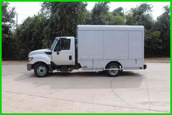 International Tare stare beverage truck 86 k miles (2012)
