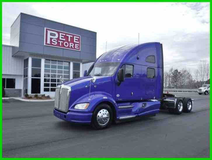 Kenworth T700 Sleeper (2012)