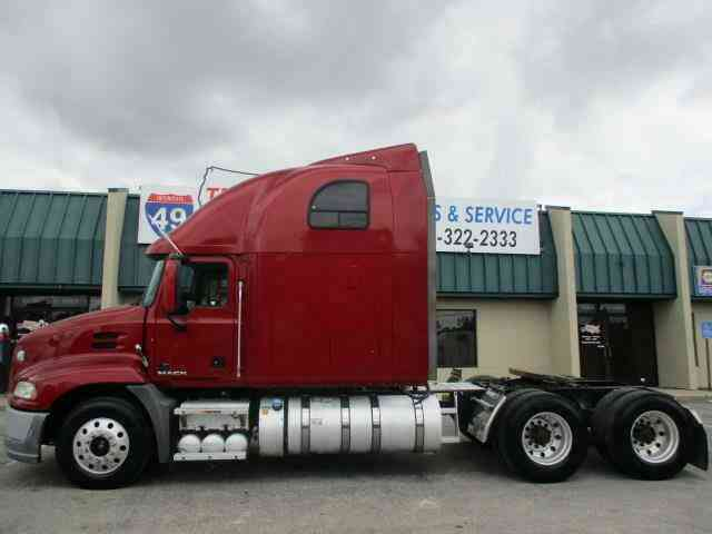Mack CXU613 Pinnacle -- (2012)