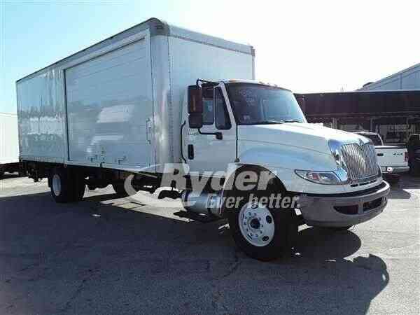 NAVISTAR INTERNATIONAL 4300 -- (2012)