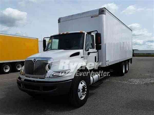 NAVISTAR INTERNATIONAL 4400 -- (2012)
