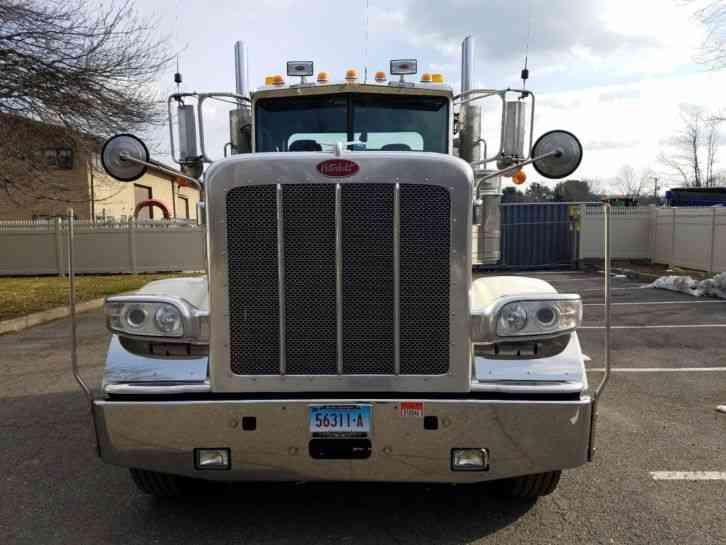 Peterbilt  2012    Daycab Semi Trucks