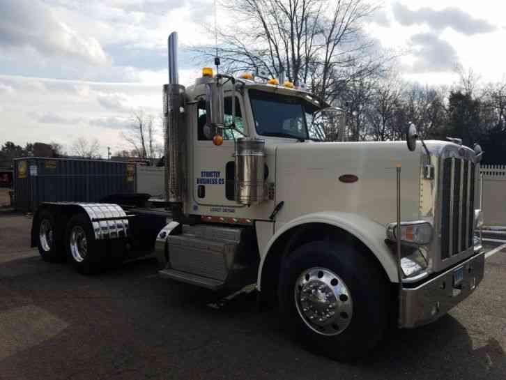 Led Strobe Lights For Trucks >> Peterbilt (2012) : Daycab Semi Trucks
