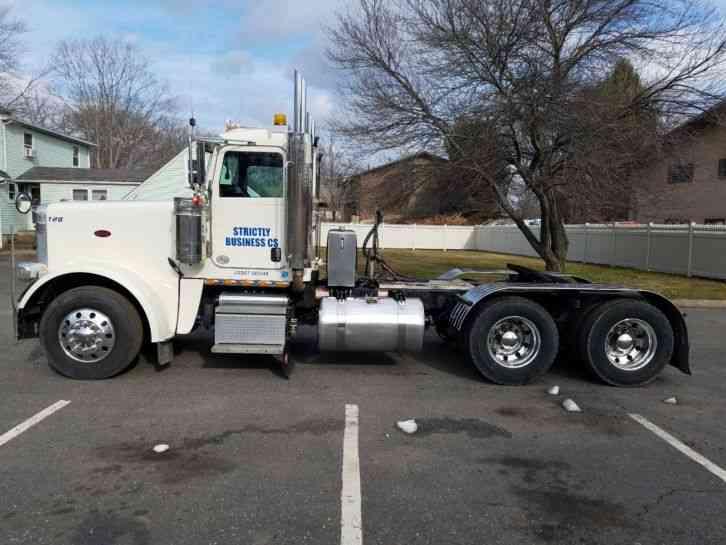Peterbilt (2012) : Daycab Semi Trucks