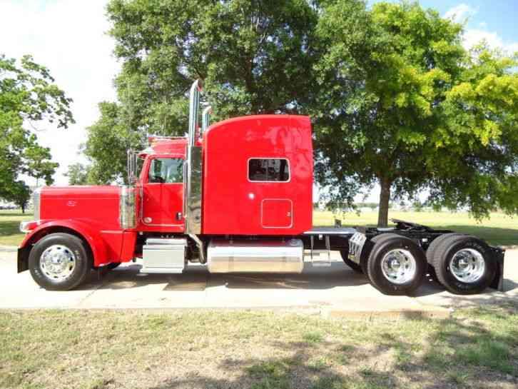 Peterbilt (2012) : Sleeper Semi Trucks