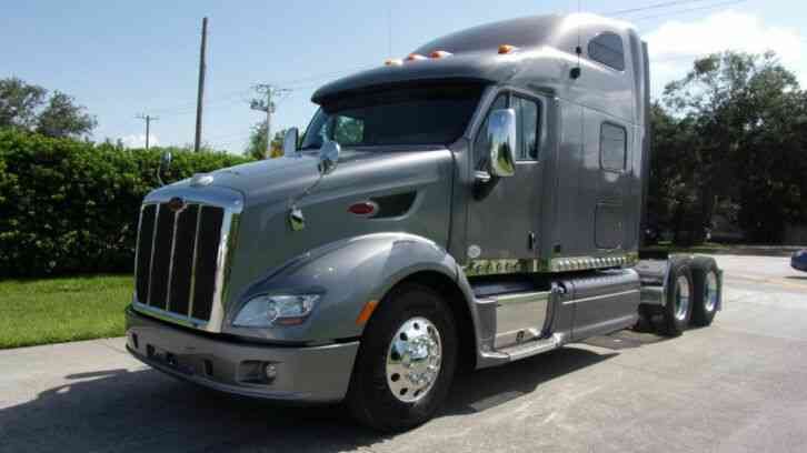 PETERBILT 587 ISX CUMMINS 450 H. P. 10 SPEED TRANS (2012)