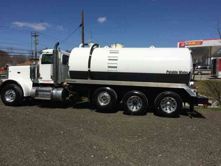 Peterbilt Semi Tri Axle Truck : Peterbilt tri axle heavy duty trucks