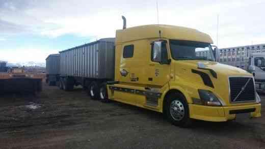 Volvo VNL 730 (2012) : Sleeper Semi Trucks