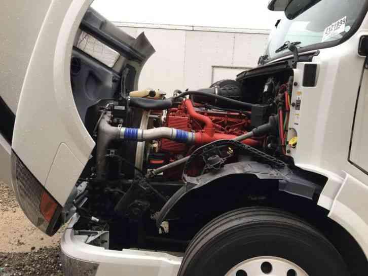 Volvo VNL 780 (2012) : Sleeper Semi Trucks