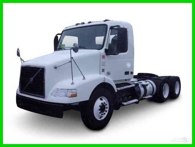 Sterling A9500 (2005) : Daycab Semi Trucks