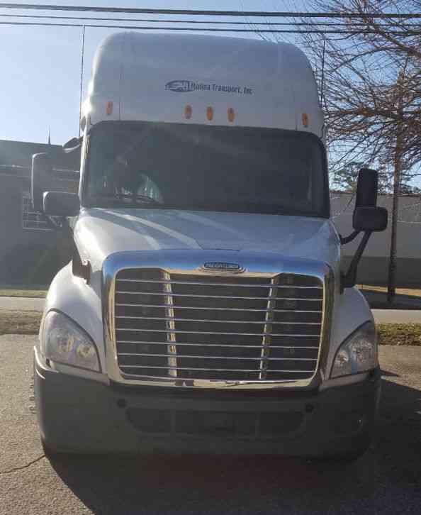 Freightliner 2013 sleeper semi trucks - 2013 freightliner cascadia interior ...