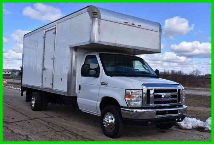 Ford E-450 Furniture / Moving Box Truck (2013)