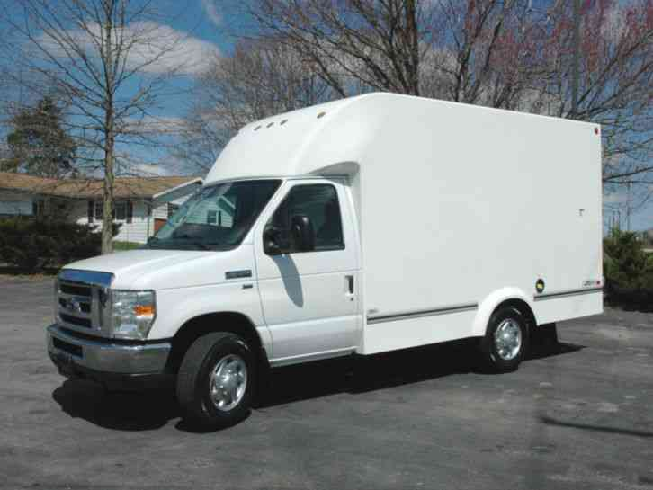 Ford E350 CUTAWAY 13 FT BOX TK (2013)
