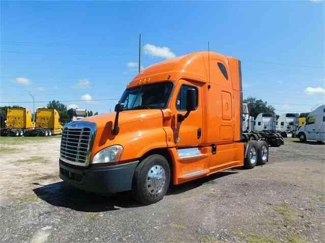 Tsi Truck Sales >> Freightliner 2013 Sleeper Semi Trucks