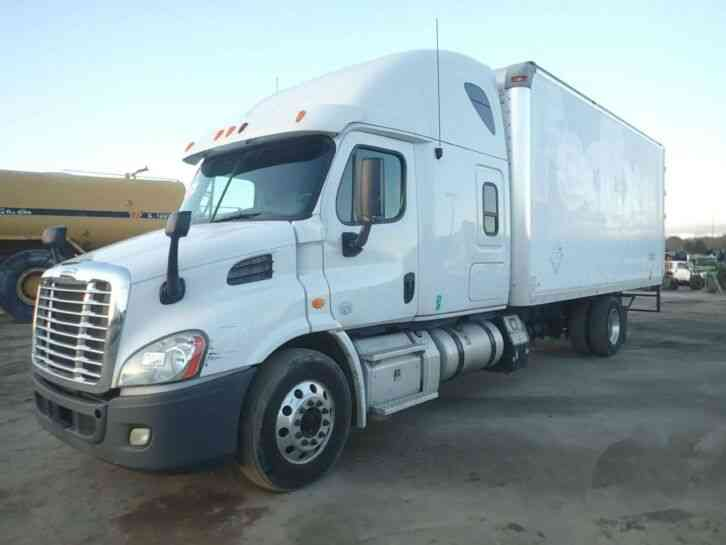 Freightliner Cascadia Expeditor Sleeper (2013)