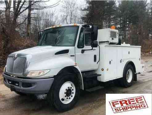 International 4300 Service Mechanic Utility Truck Comp and Crane (2013)