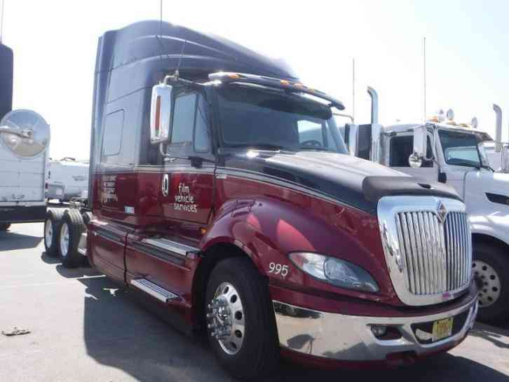 International Prostar 2013 Sleeper Semi Trucks