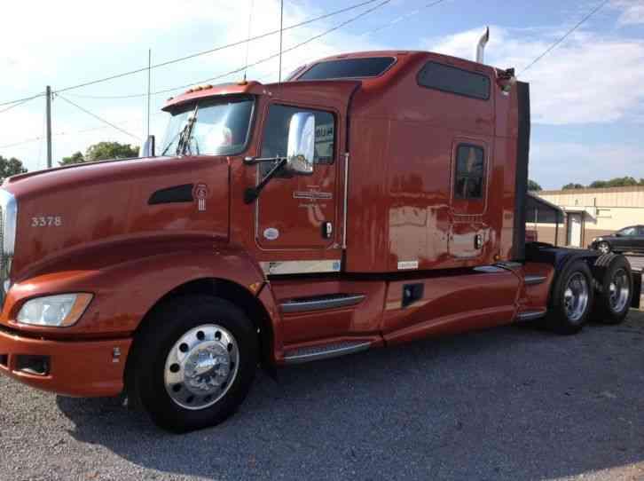 Kenworth T660 2013 Sleeper Semi Trucks