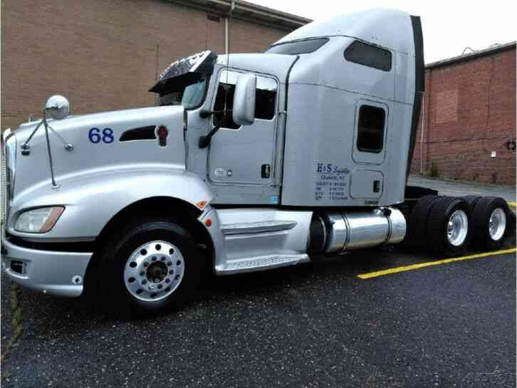Kenworth T660 Conventional Tractor Truck (2013)