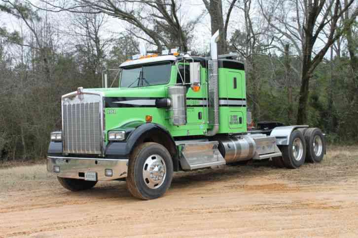 Kenworth W900b 2013 Sleeper Semi Trucks