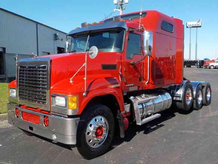 Mack Pinnacle Chu613 2013 Sleeper Semi Trucks
