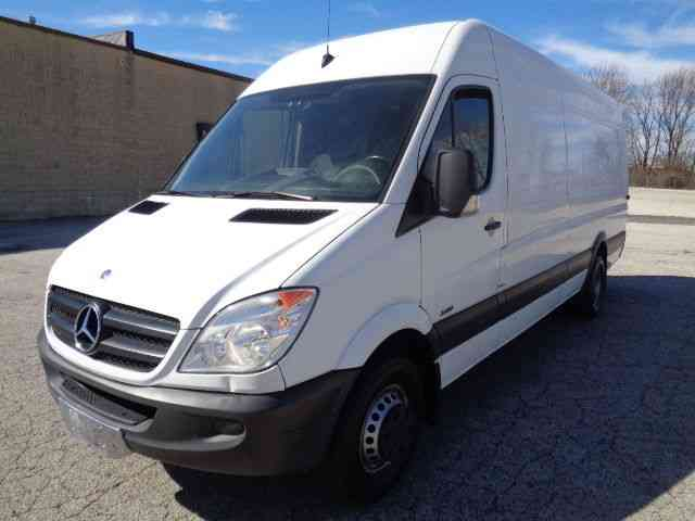 Mercedes benz sprinter 3500 extended dually hightop 2013 for Mercedes benz 3500 sprinter