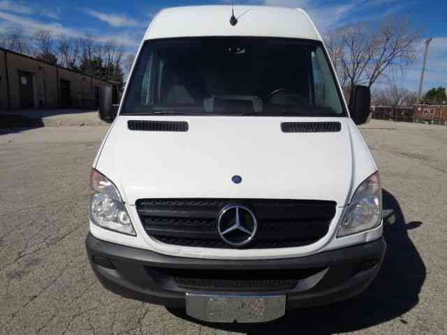 mercedes benz sprinter 3500 extended dually hightop 2013 van box trucks. Black Bedroom Furniture Sets. Home Design Ideas