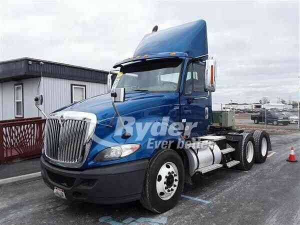 NAVISTAR INTERNATIONAL PRO LF687 -- (2013)
