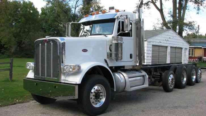 Peterbilt 388 2013 Sleeper Semi Trucks
