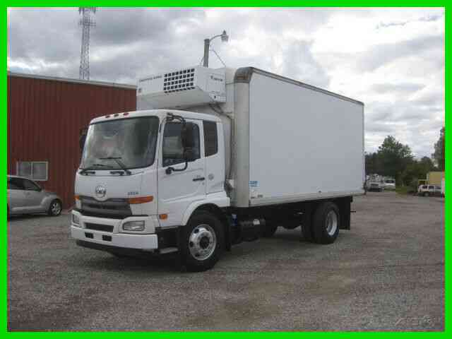 UD 2600 6 CYL TURBO AUTO AC WITH 18' REEFER BODY (2013)