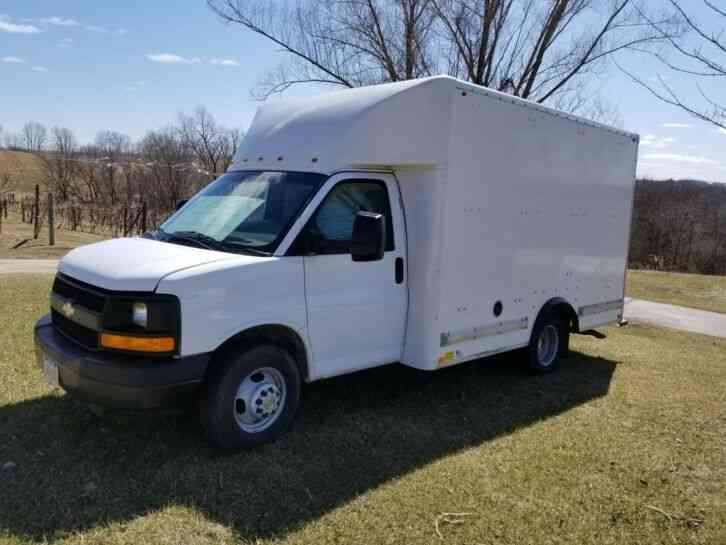 CHEVROLET Express Box Truck (2014)