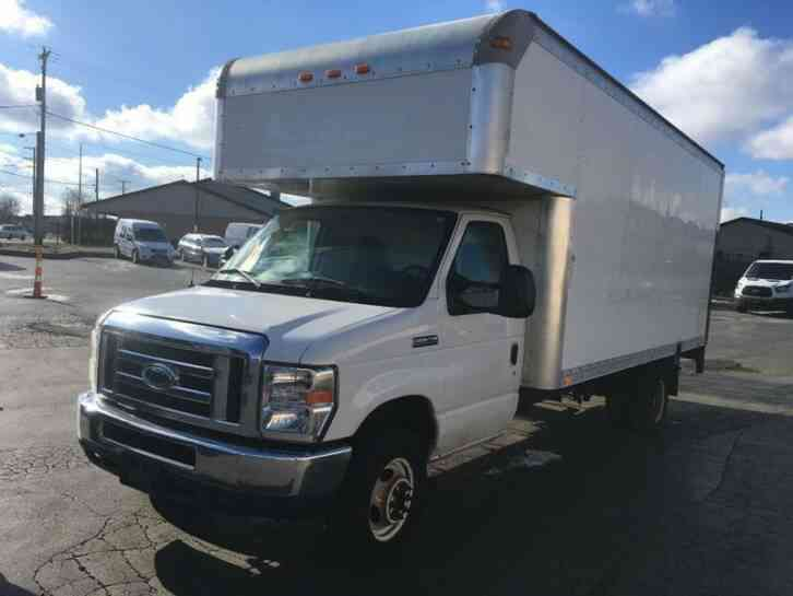 Ford E 450 2014 Van Box Trucks
