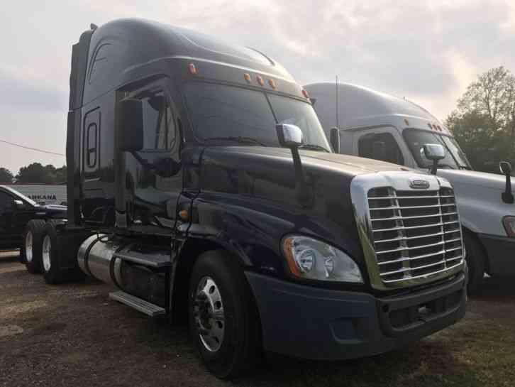 Freightliner 2014 Sleeper Semi Trucks