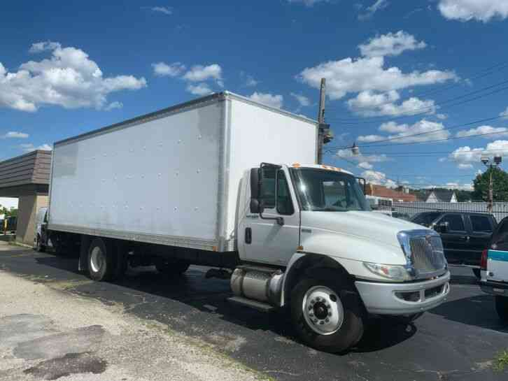 International DURASTAR 24FT BOX PANEL DELIVERY TRUCK CUBE VAN (2014)