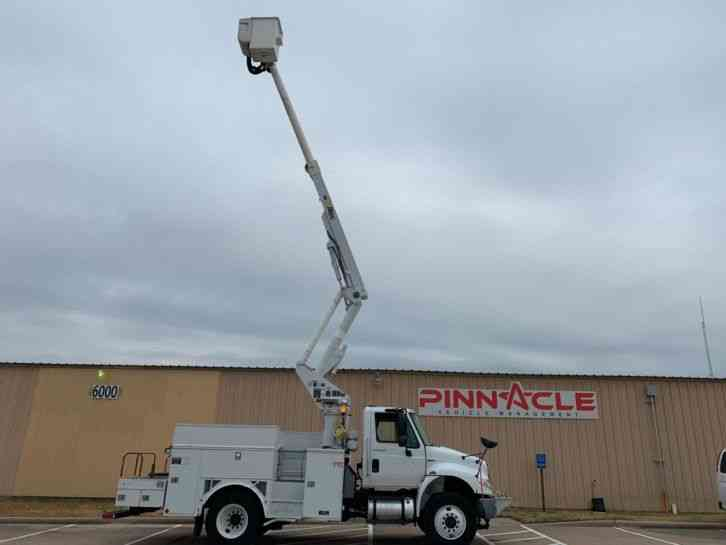 International INTERNATIONAL 4300 ALTEC BUCKET TRUCK (2014)