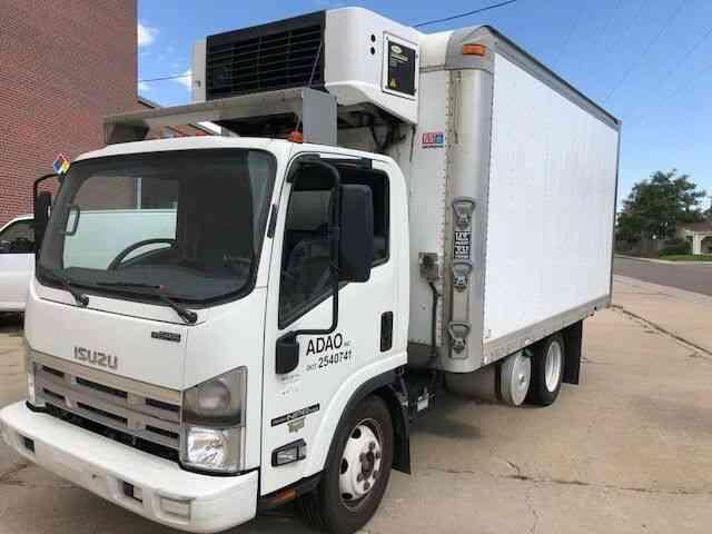 Isuzu Box Truck  2014    Van    Box Trucks