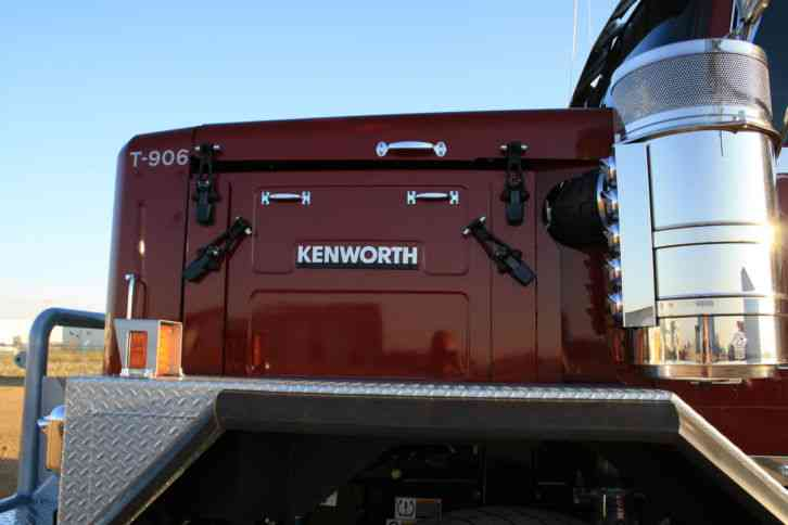 Kenworth C500 2014 Sleeper Semi Trucks