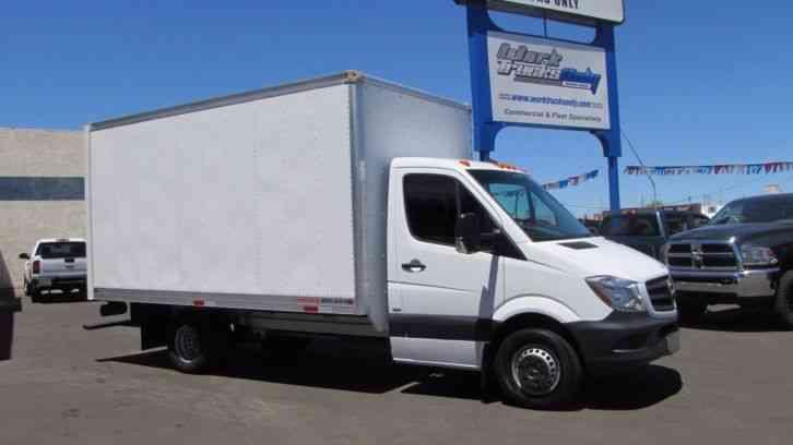 Mercedes benz 3500 sprinter 14 39 foot box truck 2014 for Mercedes benz box truck