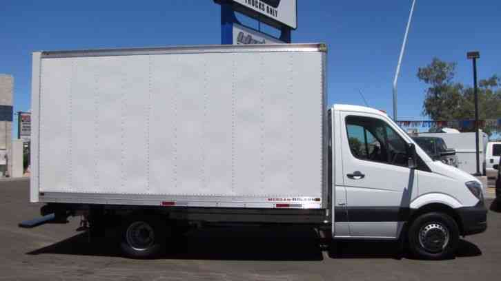 Mercedes Benz 3500 Sprinter 14 Foot Box Truck 2014