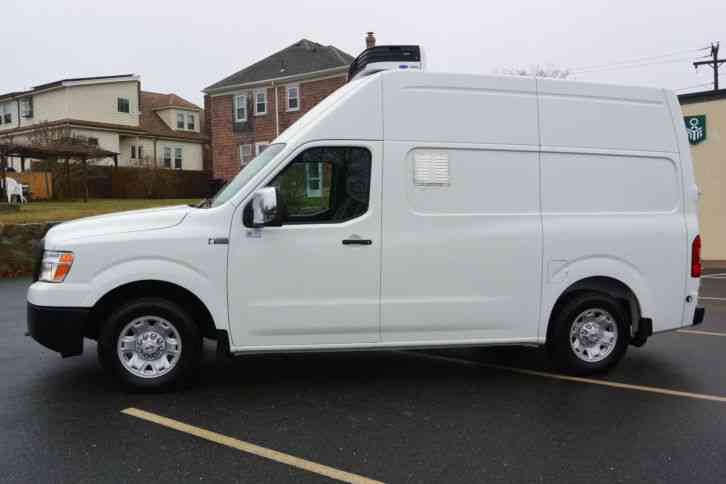 nissan nv 2500 2014 van box trucks. Black Bedroom Furniture Sets. Home Design Ideas